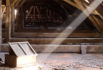 Clean Your Crawl Space! | Attic Cleaning San Francisco, CA